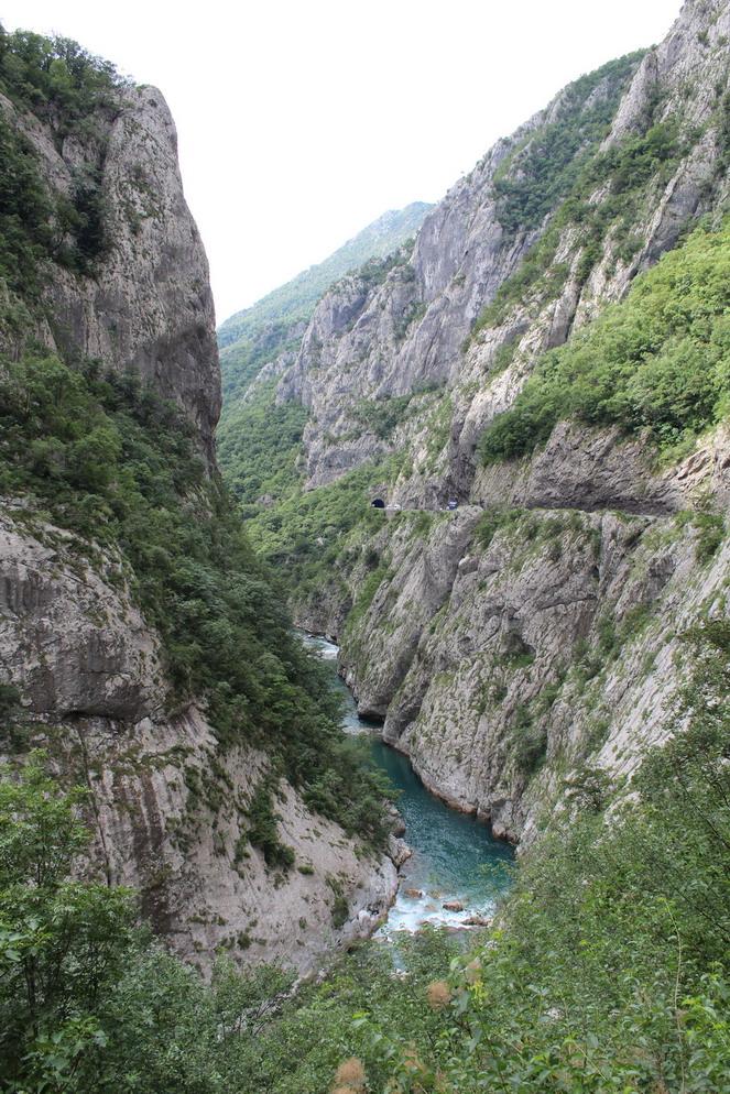 Название: Морача (Река в Черногории).JPG Просмотров: 19  Размер: 324.7 Кб