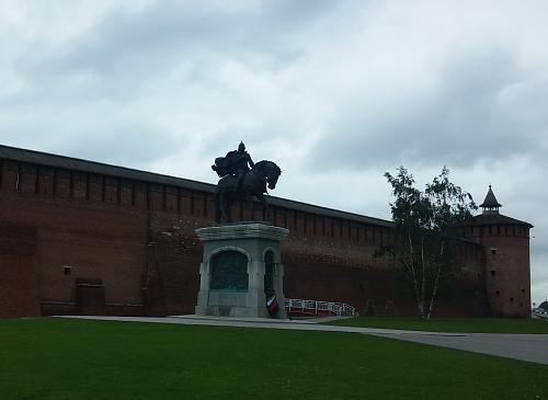 Нажмите на изображение для увеличения Название: Памятник Дмитрию Донскому.jpg Просмотров: 586 Размер:85.2 Кб ID:2562