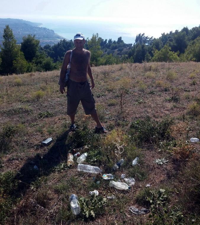 Название: Боря и мусор в Греции.jpg Просмотров: 411  Размер: 231.3 Кб